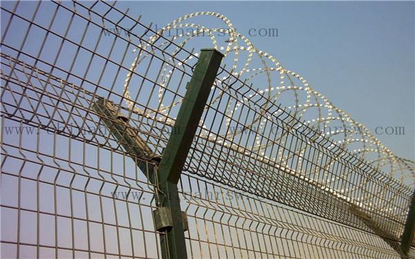 围栏网立柱